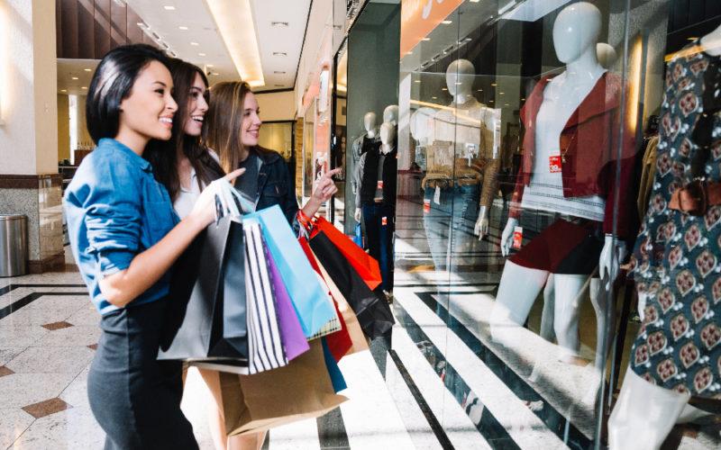 ¿Sabes qué es el fast fashion y por qué no deberías apoyarlo?