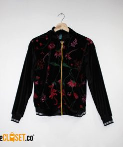 bomber velvet negra flores MILA CLOTHING theCloset.co diseño independiente