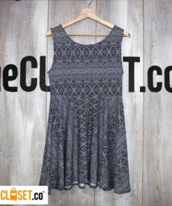 vestido rotondo blanco y negro revolución urbana thecloset.co diseño independiente